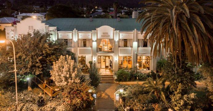 Montagu Country Hotel Facade by night